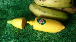 wpid-banana-hand-milk-2.jpg.jpeg