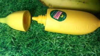 wpid-banana-hand-milk-3.jpg.jpeg